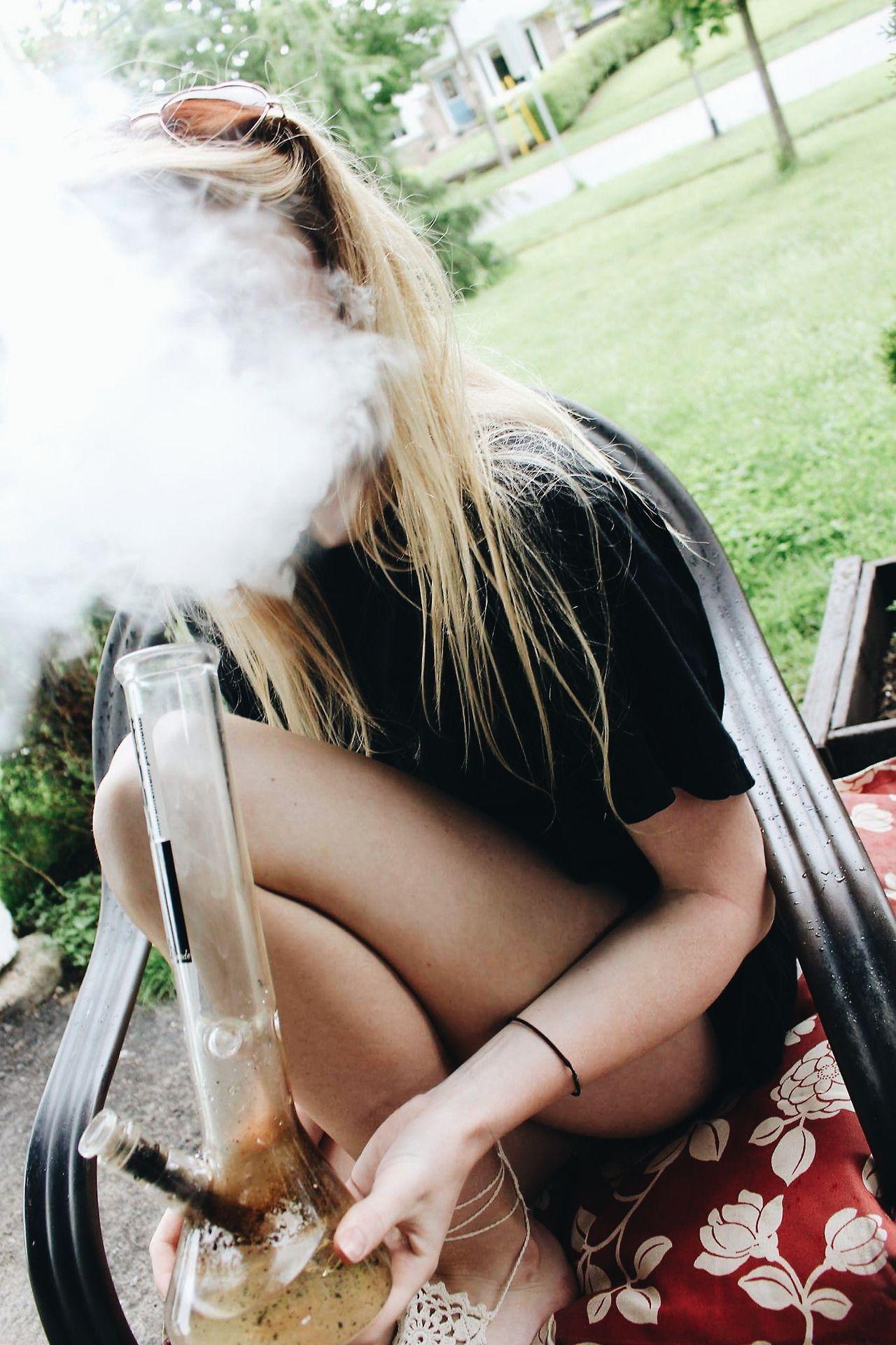 naked blonde girls smoke bongs and fuck