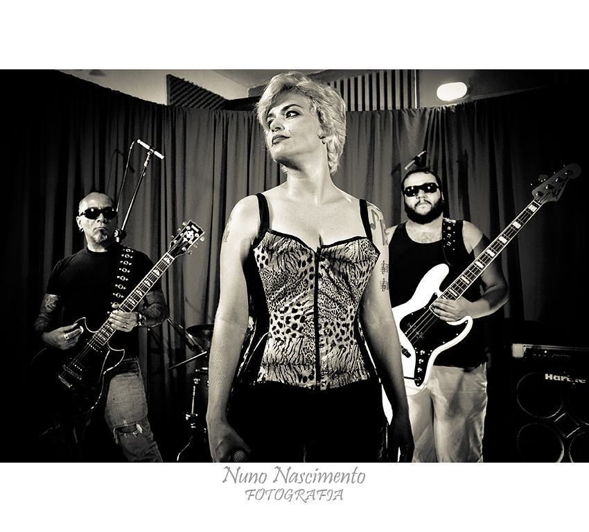 Banda Motrícia (Projeto Home Pocket Clipoems Rock by Arthur Caria)  #rock #music #musica  #bahia  #cor #colour #color #art #salvador #estudiocasarao #bahia  #igersbahia #baianidadenagô_ #worldingram  #worldingram #jardimdetalentos #talentosfotográficosdoig #igers #igersbrasil #shooting #ig_brasil #like4like #ig_bahia #talentedpeopleinc by nunno778