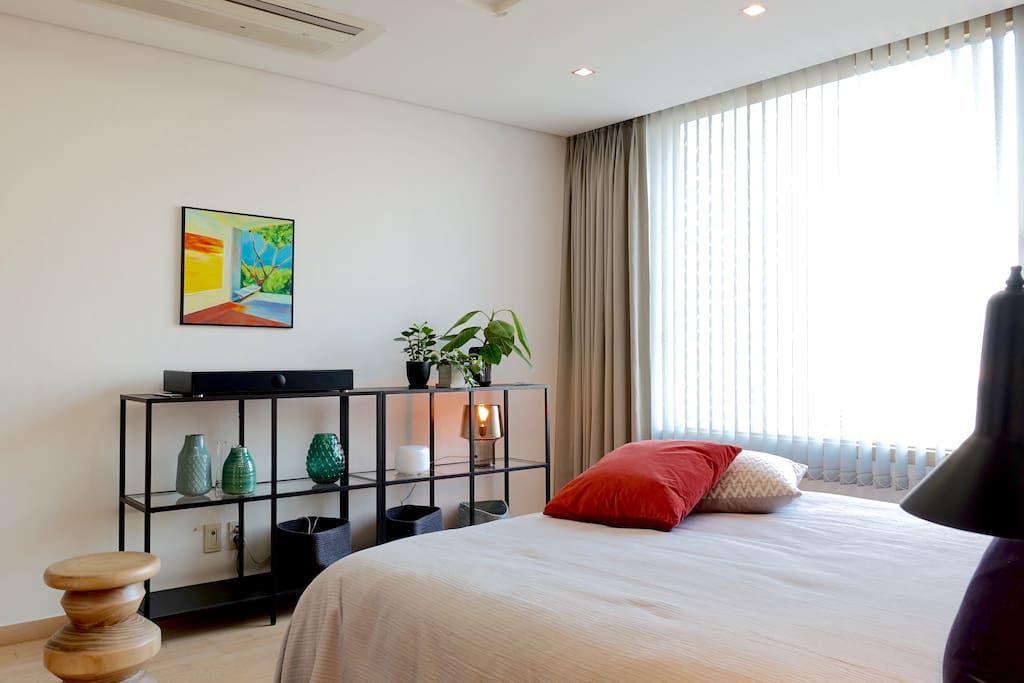 Bright Modern River View Coex Gangnam Apartments For Rent In Gangnam Gu Seoul South Korea Home Decor Room Home