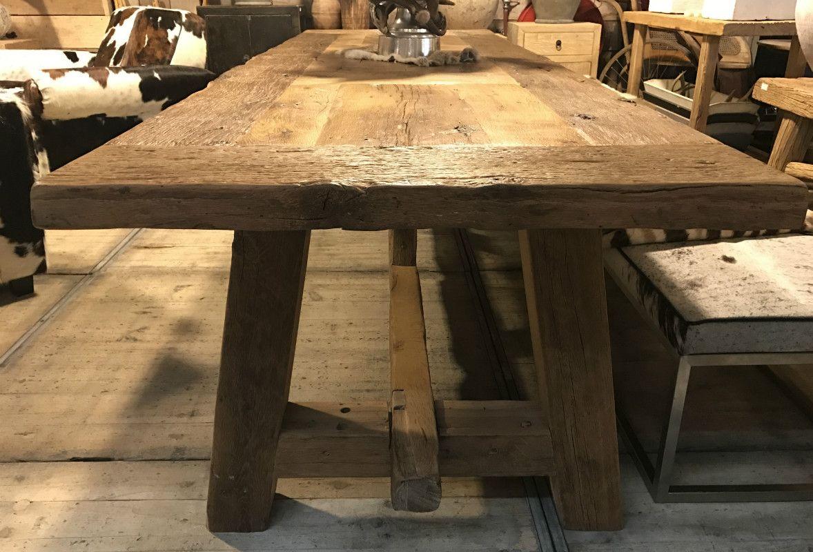 Grote Robuuste Houten Tafel.Robuuste Tafel Gemaakt Van 200 Jaar Oud Steeneikenhout