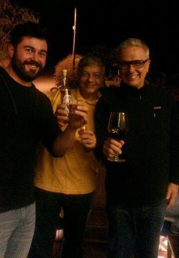 Vagner, Donaldo e Ronaldo Barbosa degustando o licor de Cravo e Canela Bousquet!  Casa do Compadre - Aracê - Pedra Azul - ES - Agosto 2015