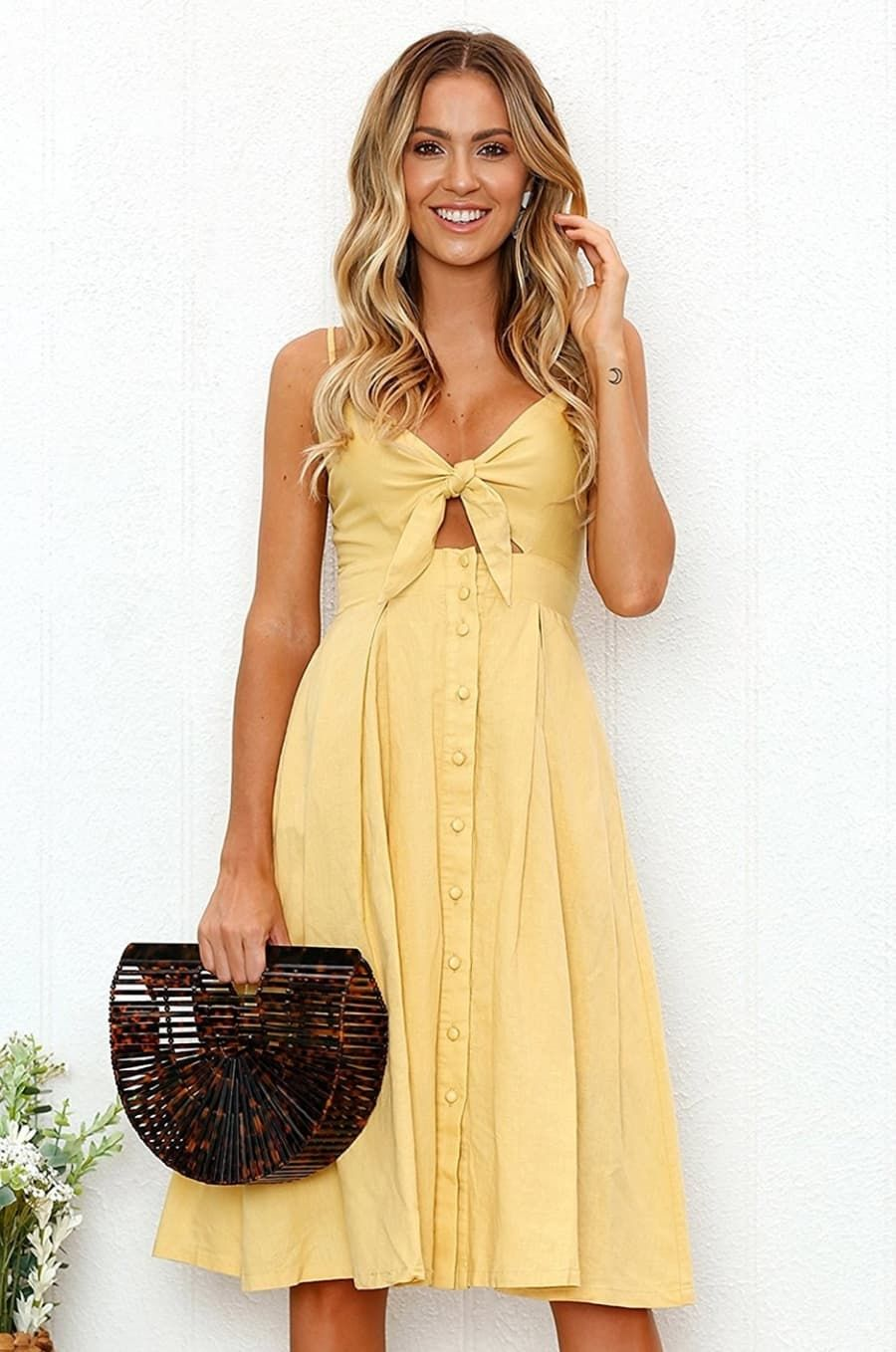 Love The Dress Pass On The Shoes And Purse Summer Day Outfits Summer Dresses Fashion [ 1334 x 750 Pixel ]