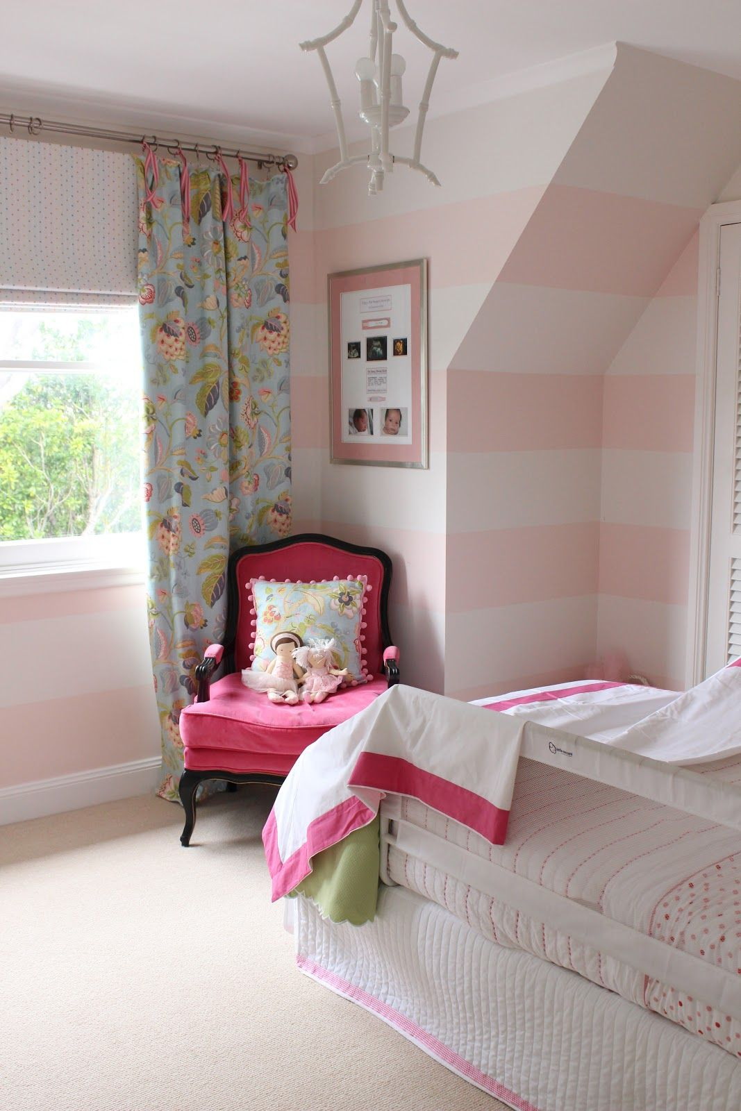 Img 1511 Jpg 1 067 1 600 Pixels Striped Room Pink Striped Walls Hot Pink Room