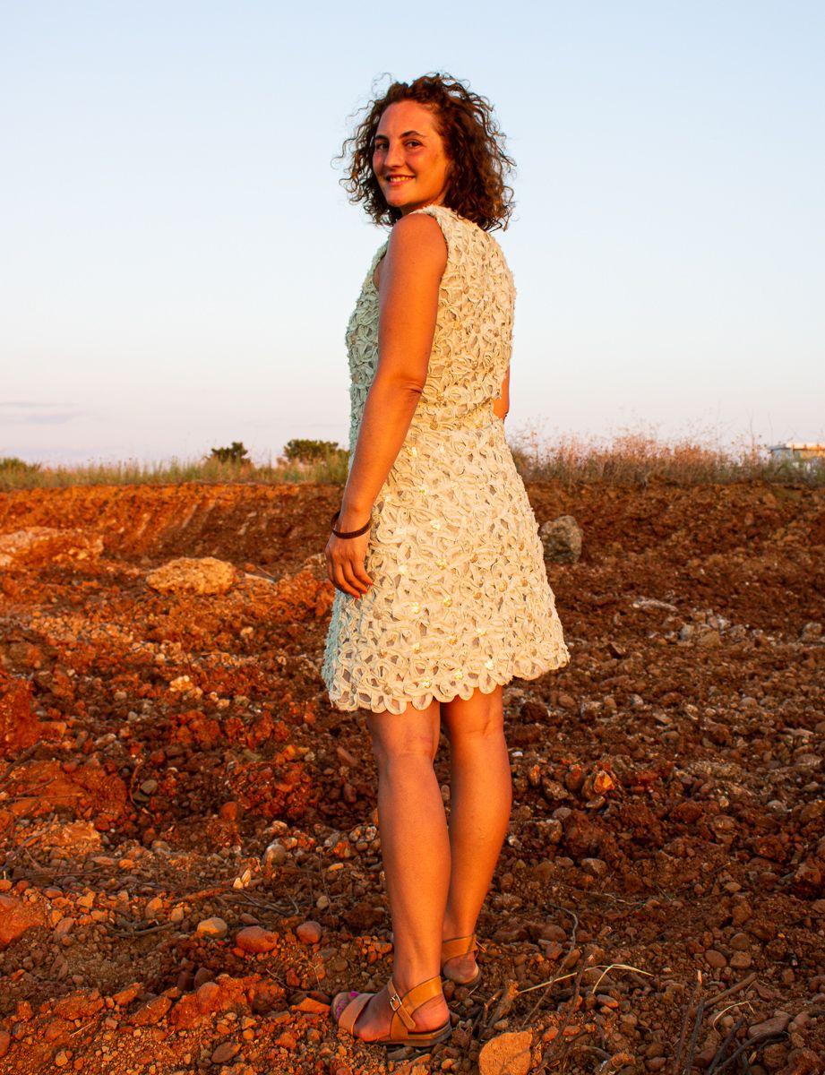 Freebook Cleo Von Funkelfaden Kleid Aus Spitze Nahen Mit Pailletten Schnittmuster Kleid Kleider Fur Frauen Nahen Kleid Spitze