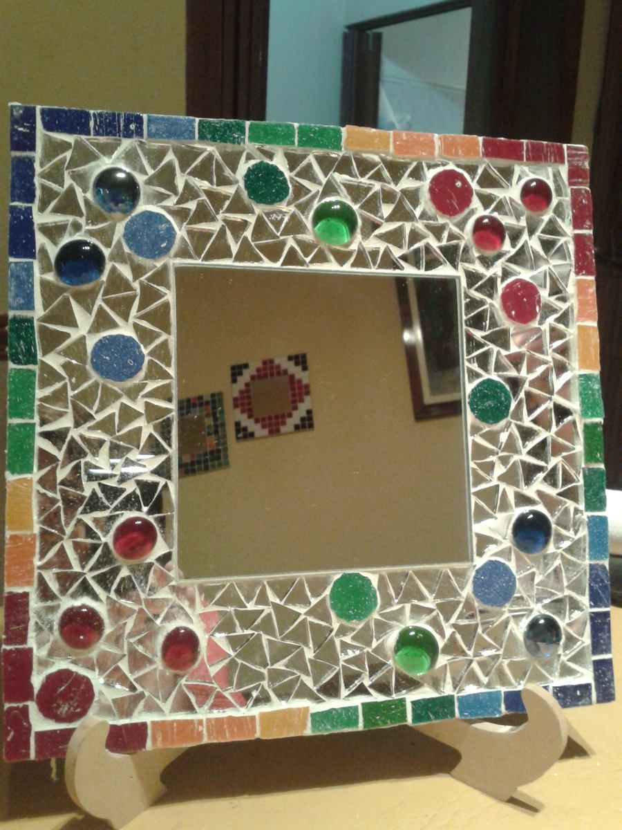 Picture frame with jewels and mirror pieces | Mosaics | Pinterest ...