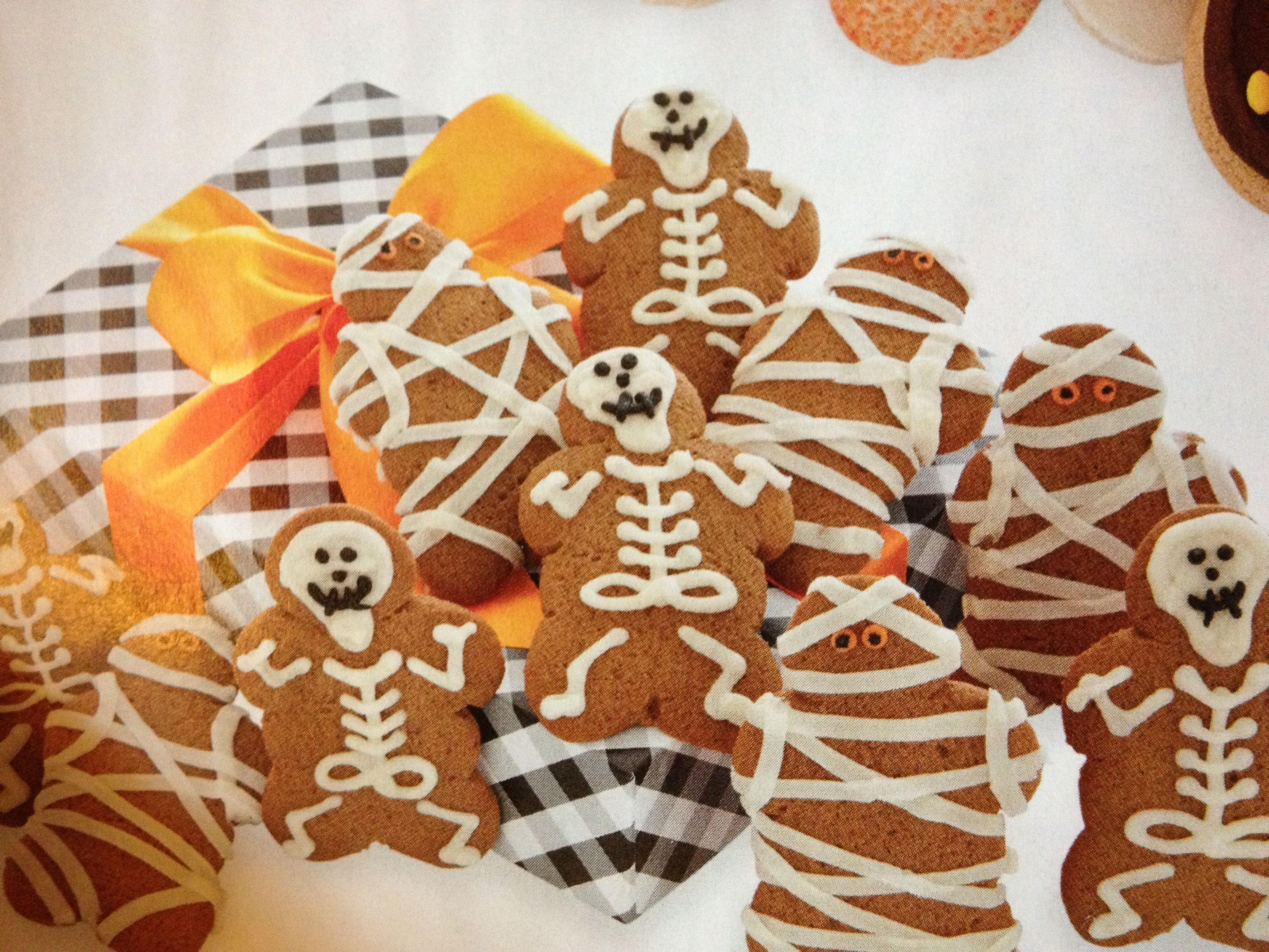Gingerbread skeletons and mummies.