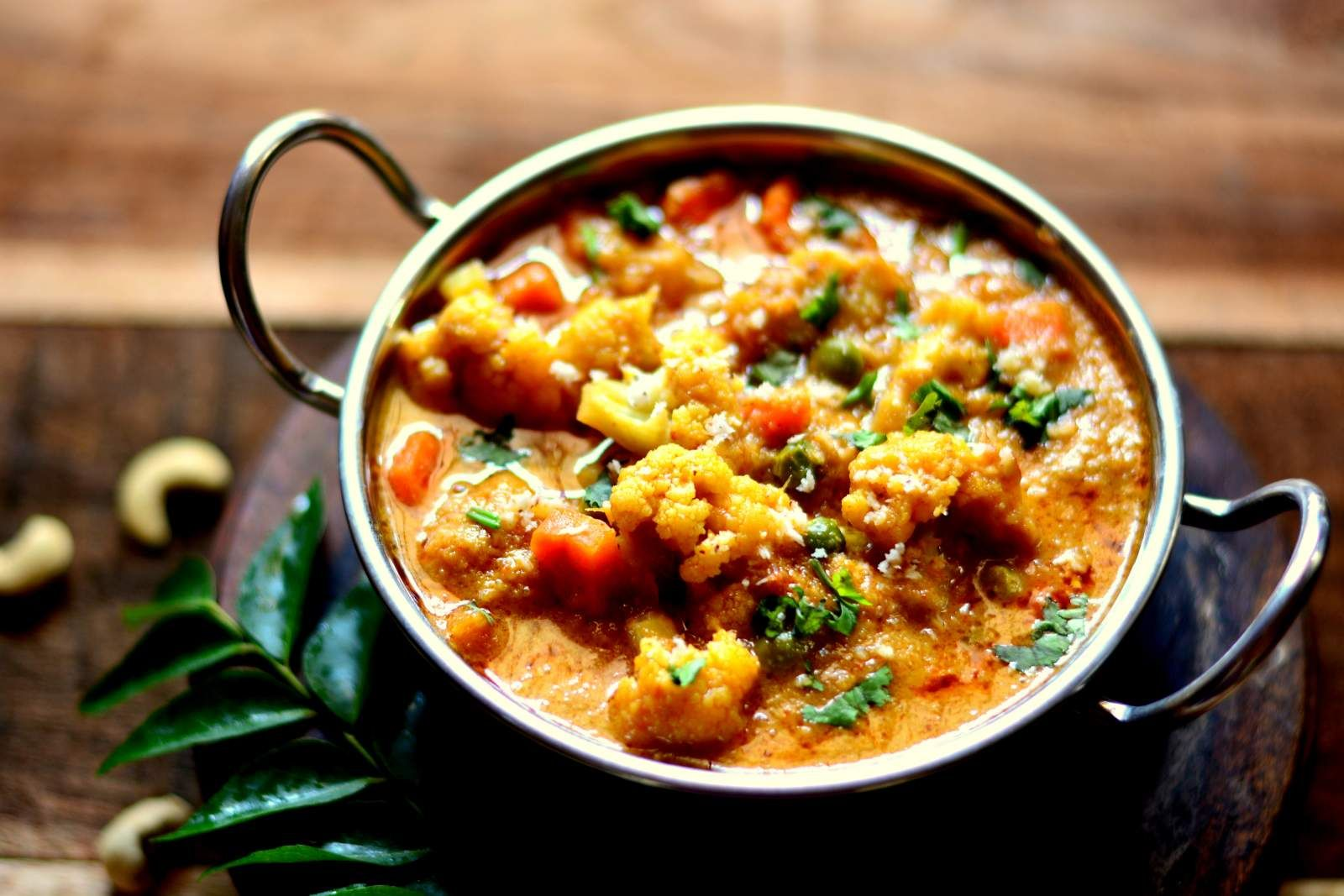 Kerala style cauliflower kurma recipe kerala gravy and curry kerala style cauliflower kurma indian food recipesveggie forumfinder Images