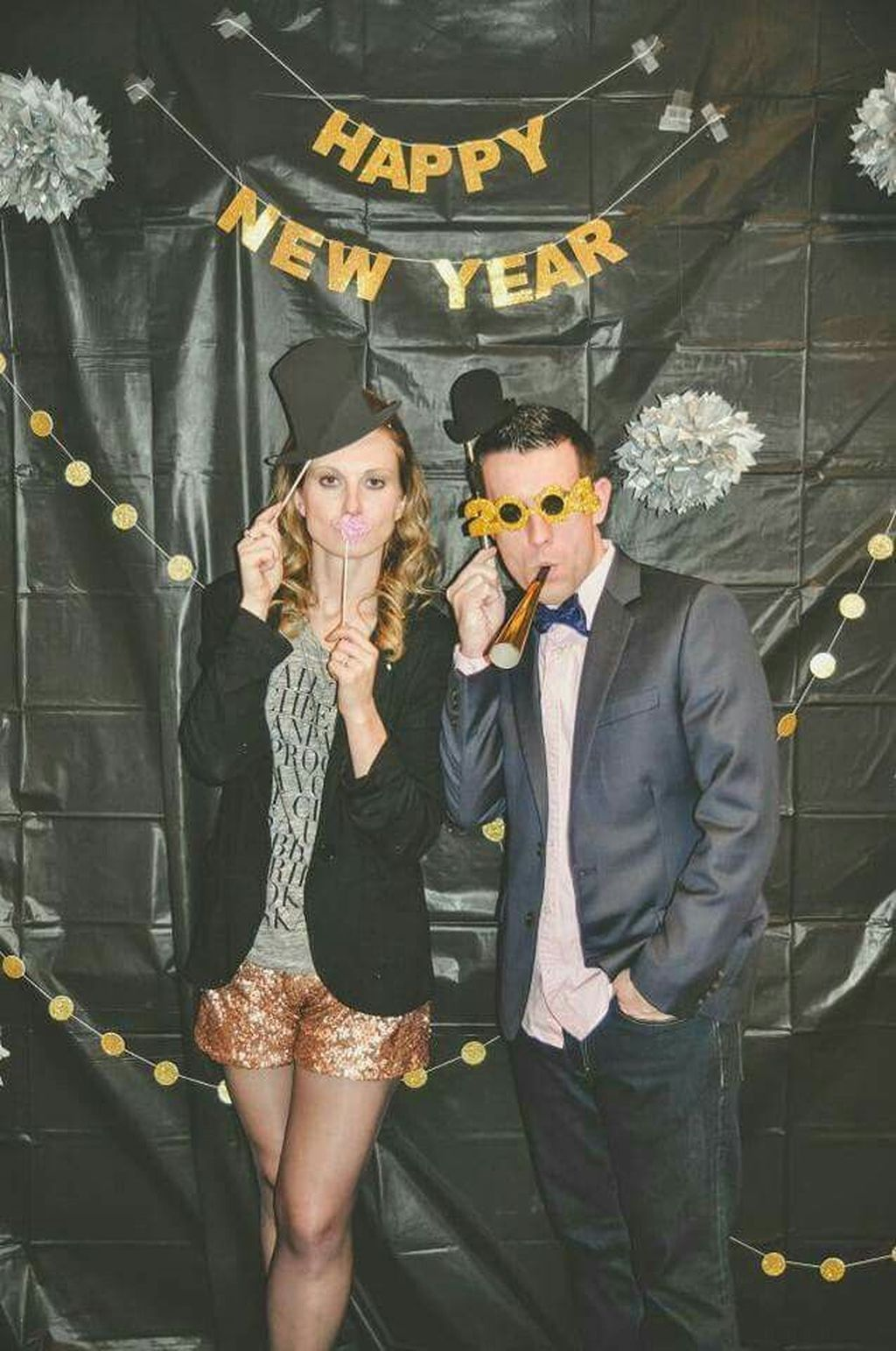 30 Best New Years Eve Decor Ideas For Home Decor Trenduhome New Year S Eve Party Themes New Years Eve Decorations New Year S Eve 2019