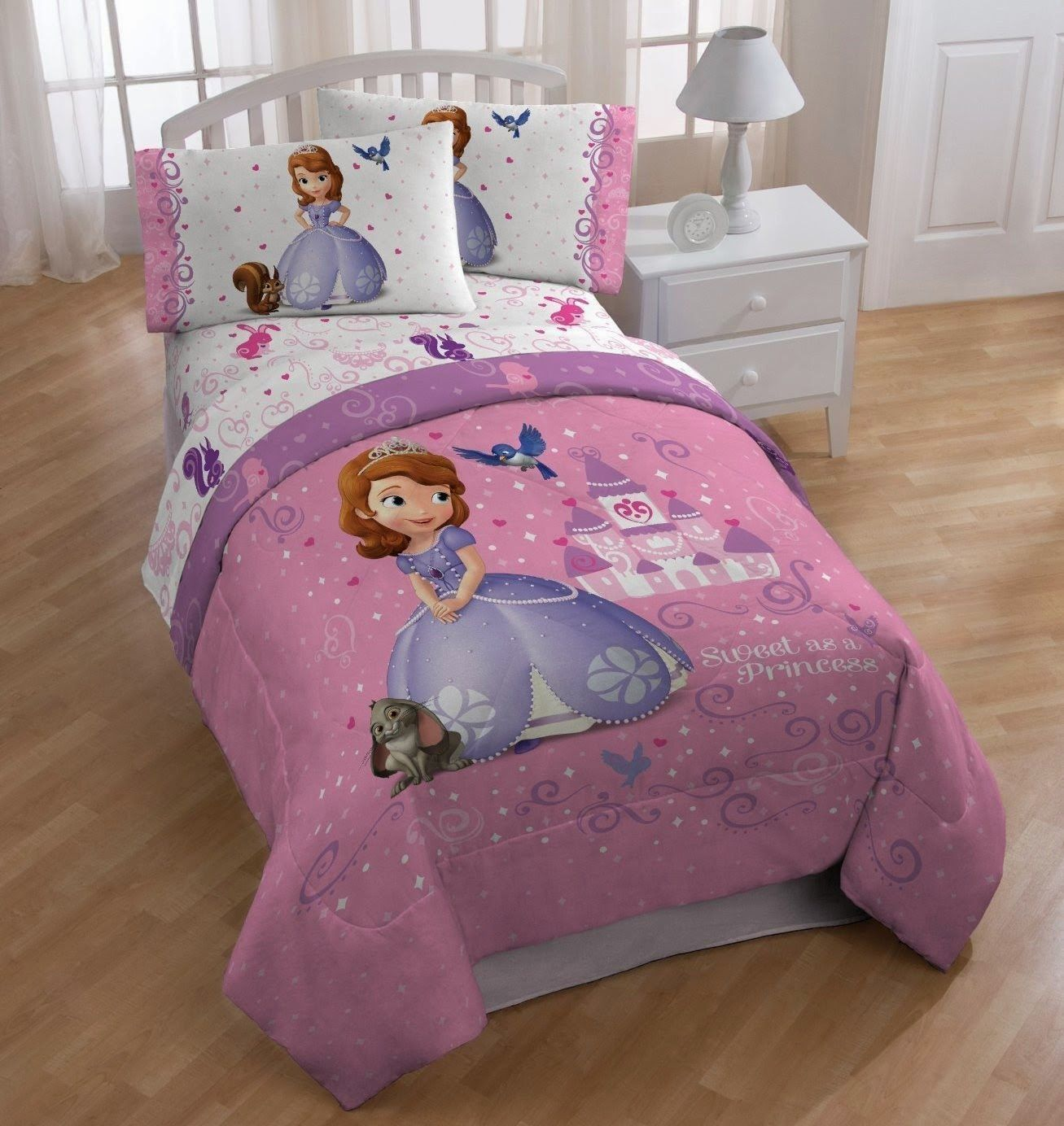 Bedroom decor ideas and designs how to decorate a disney - Sofia the first bedroom ...