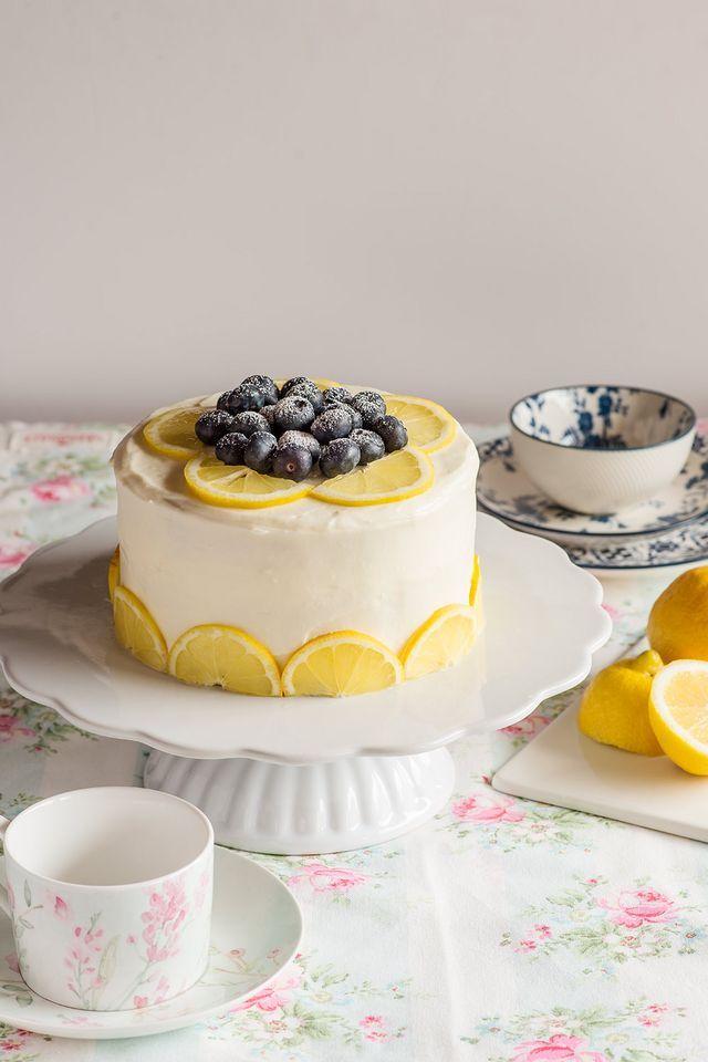 Layer cake de limón y arándanos (María Lunarillos