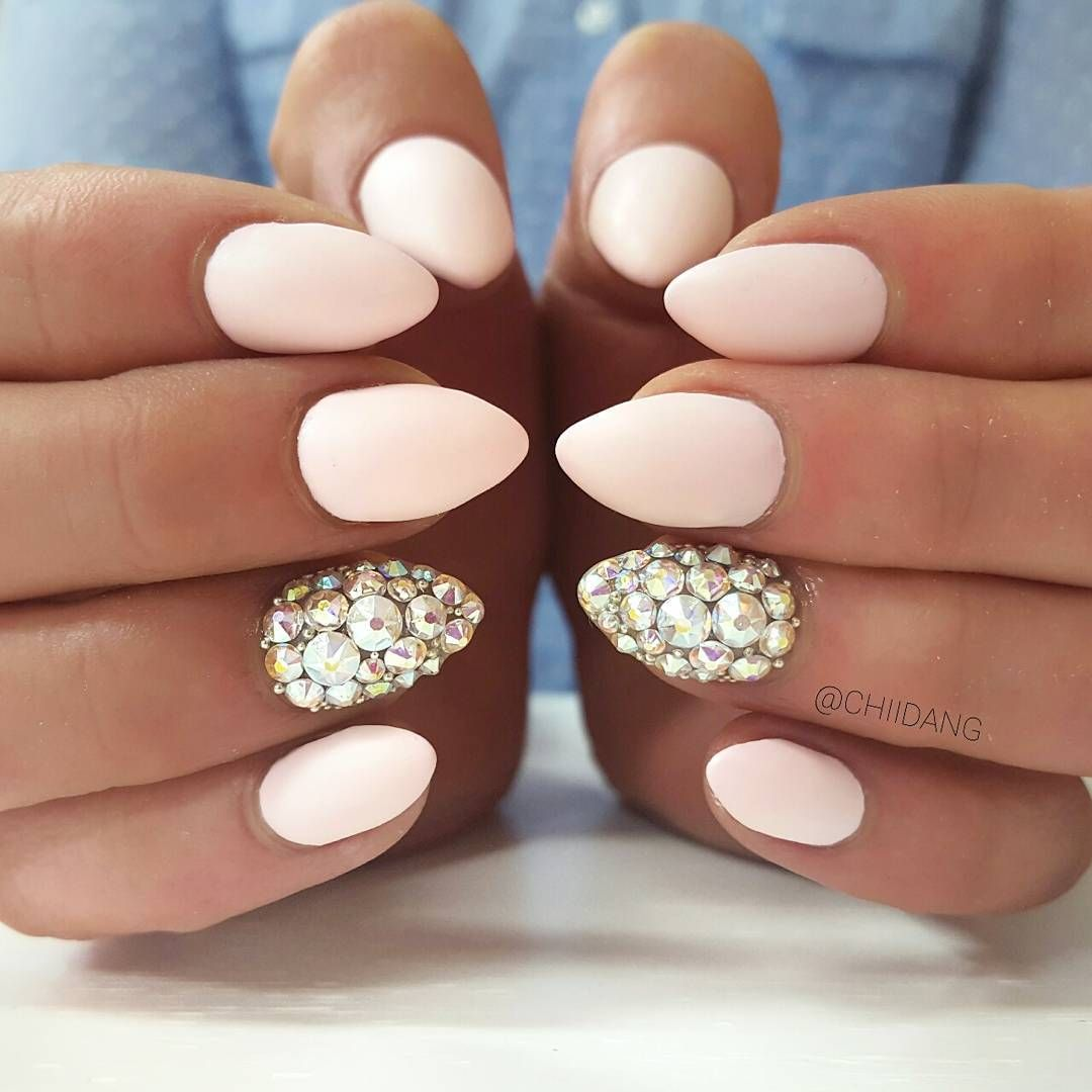 Diamond Light pink nail design | Beauty | Pinterest