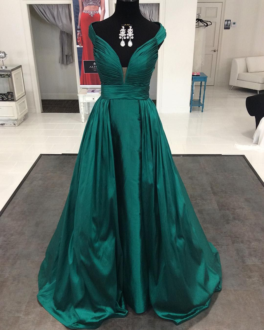 Emerald Green Satin Long Formal Evening Gowns Dresses
