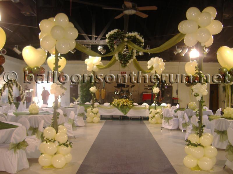 Elegant dance decor creme hearts and ivies balloon for Balloon dance floor decoration