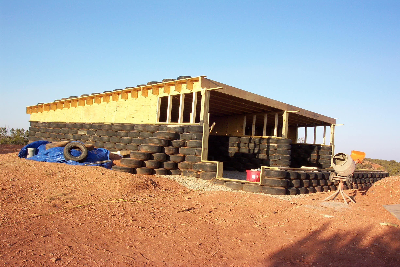 Tire And Wood Tiny Living Maison Earthship Maison
