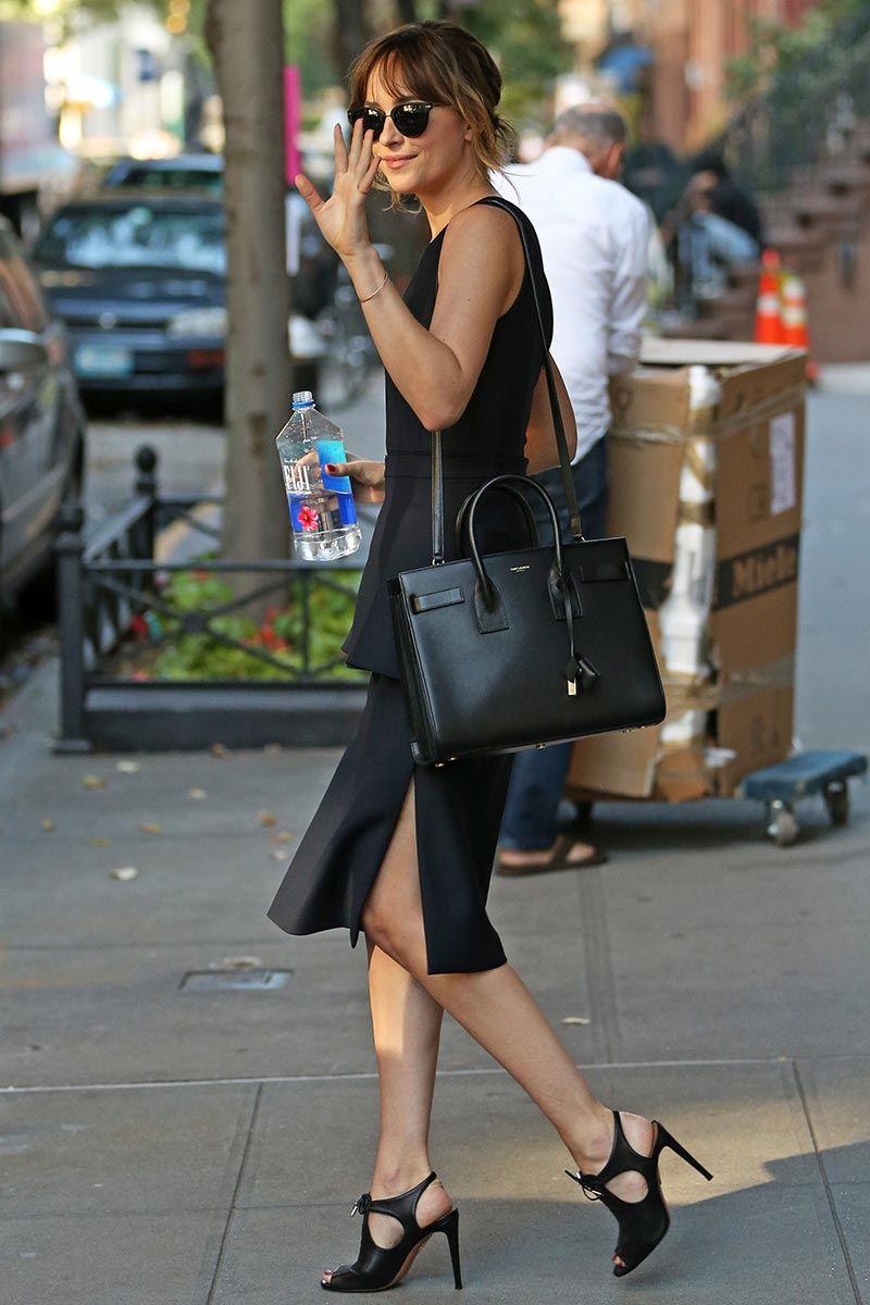 Top Looks De Zapatillas Y Looks En Blanco Estilo De Moda Femenina Imagenes De Moda Estilo De Dakota Johnson