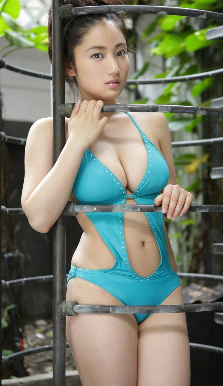 Shaved pussy mounds bikini