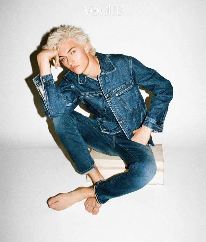 Tommy-Hilfiger-2016-Tommy-Jeans-Campaign-Lucky-Blue-Smith-campaign-2