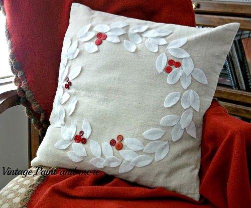 A Handmade Christmas - Pillows & A Handmade Christmas - Pillows | Christmas pillow Handmade ... pillowsntoast.com