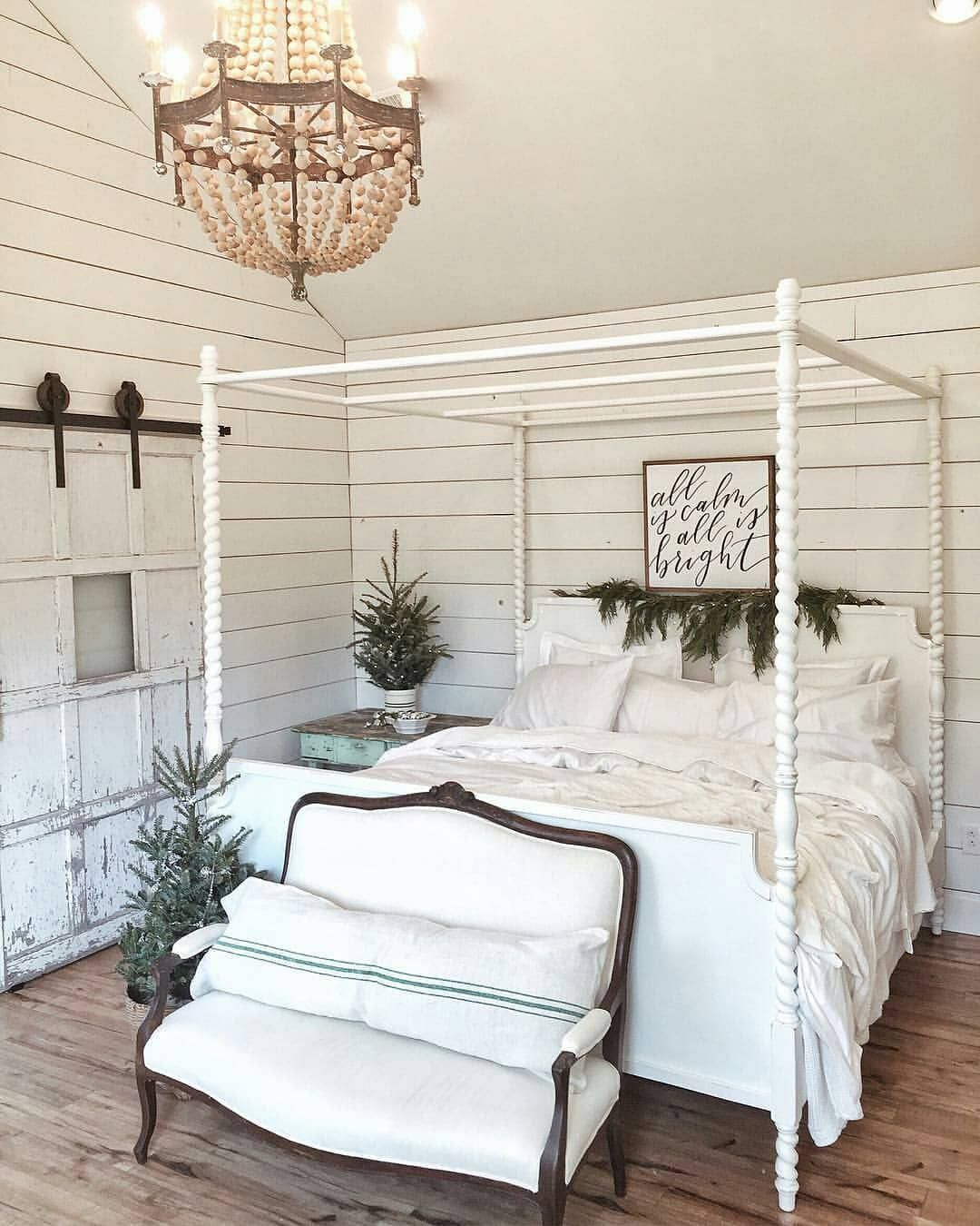 Farmhouse Bedroom Decor Ideas The Study Of The Comfortable Bedroom Pole Iron Bed Structures Pat Home Decor Bedroom Shabby Chic Bedrooms Country House Decor