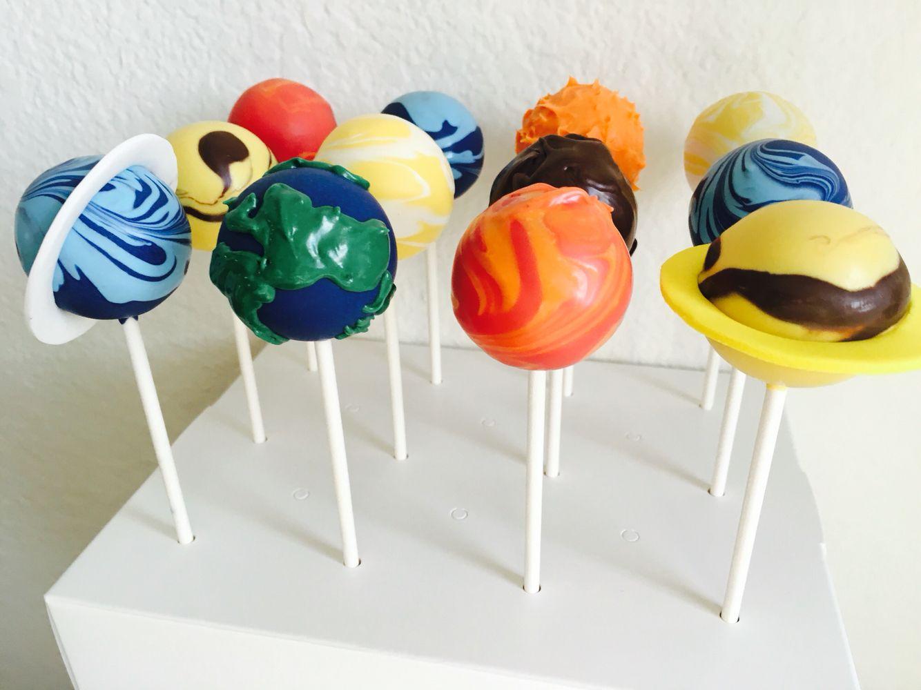 solar system cake pops planet cake pops kinder geburtstag pinterest kinder geburtstag. Black Bedroom Furniture Sets. Home Design Ideas