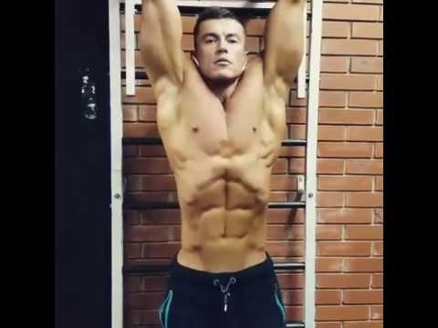 18 Years Old Bodybuilder Flexing Abs Old Bodybuilder Abs Bodybuilders