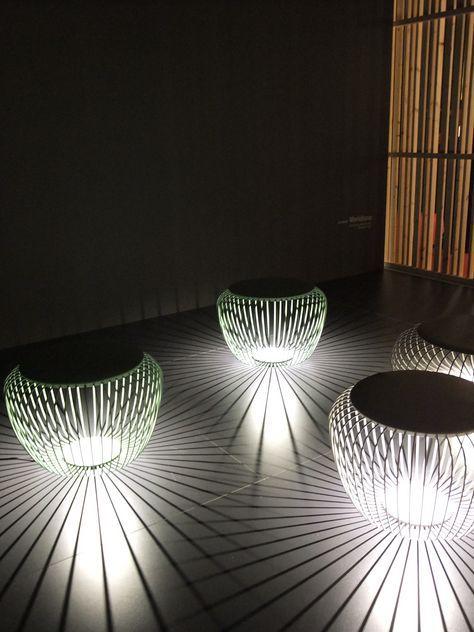 Una silla? ¿una lámpara? Juego de sombras, de Vibia #luces ...
