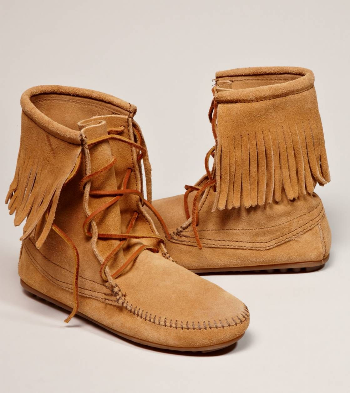 Minnetonka Tramper Ankle Hi Boot American Eagle Outfitters Boots Shoes Moccasin Boots