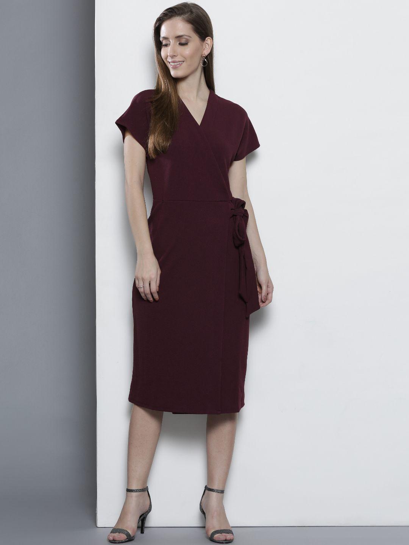 ac3428b437d67 Buy DOROTHY PERKINS Women Burgundy Solid Wrap Dress - Dresses for Women  2231460 | Myntra