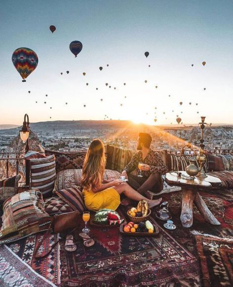 hot balloon tour- Cappadocia- best vacations for couples travel destinations
