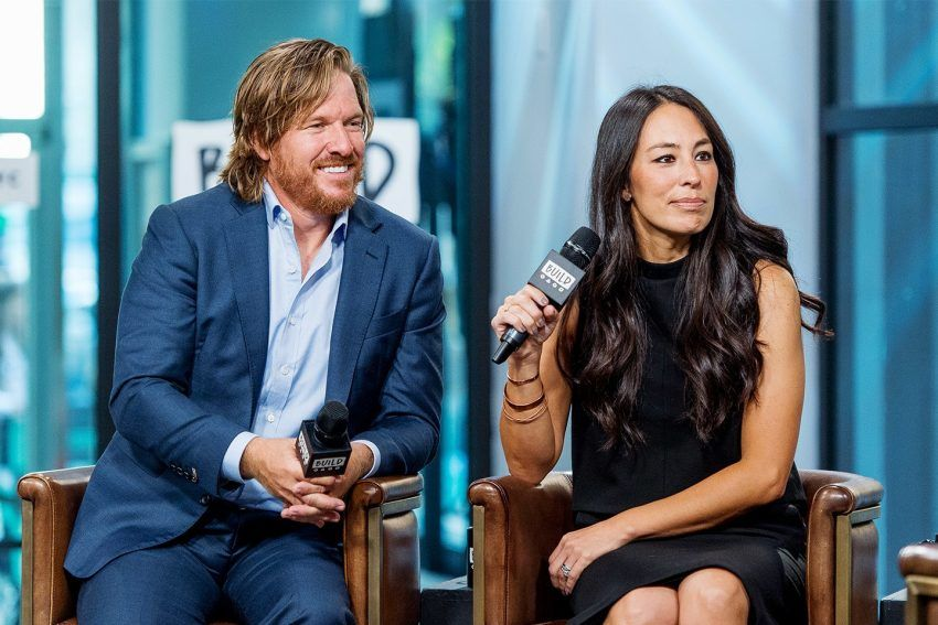 chip and joanna gaines net worth wiki 6 facts you need to know about news joanna gaines. Black Bedroom Furniture Sets. Home Design Ideas
