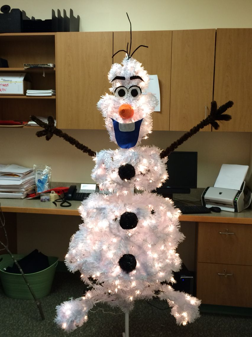 Olaf! This is what I made at work for the Festival of Trees raffle ...