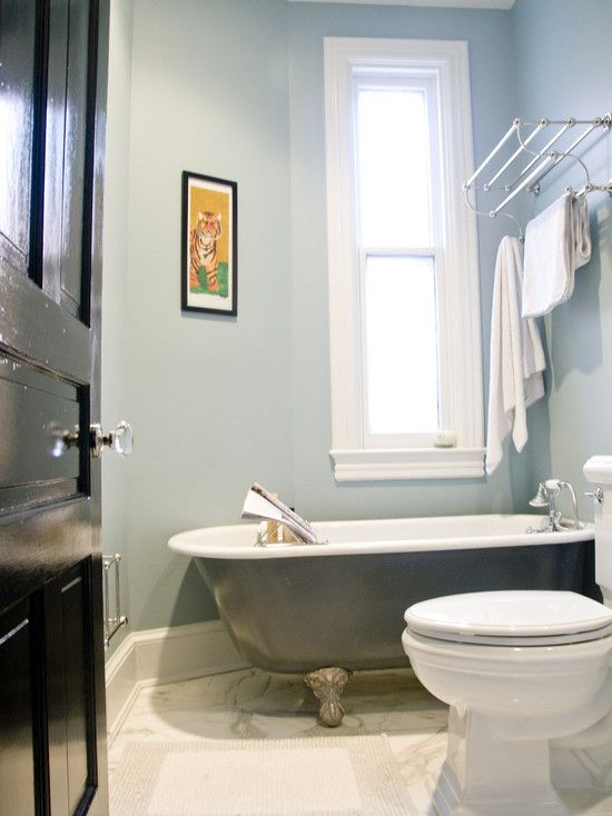 Vintage Bathroom Style Completed With Painting Clawfoot Tub Ideas: Cool  Painting Your Clawfoot Tub With Toilet Bidet Combo And Towel Hangers Design  Your ...