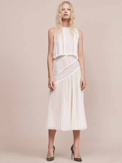 View the full Jason Wu Resort 2017 collection.