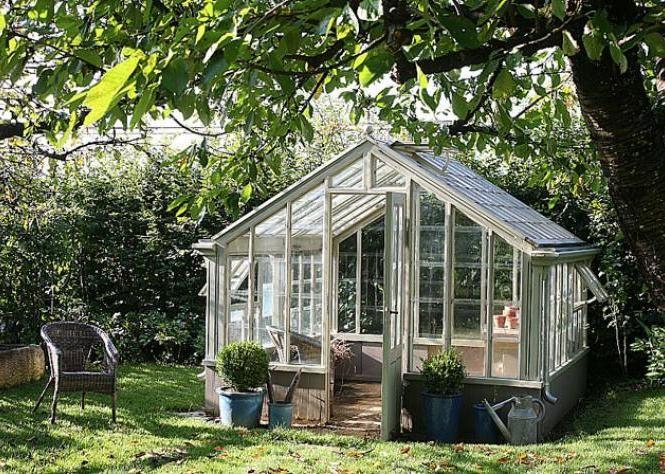 comment bien quiper et am nager sa serre de jardin pinterest serre serre jardin et ext rieur. Black Bedroom Furniture Sets. Home Design Ideas