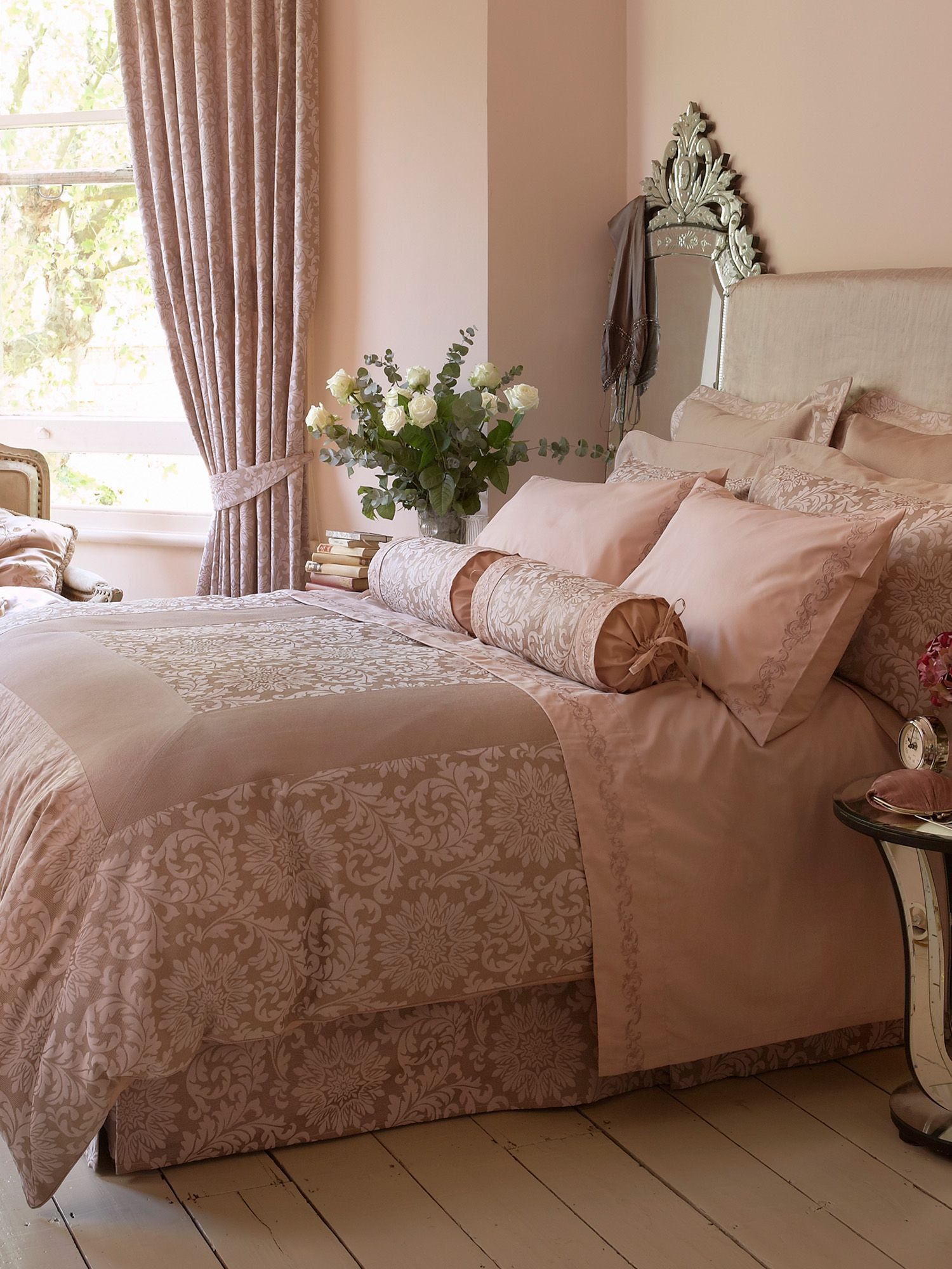 Dusky Pink Bedroom Idea