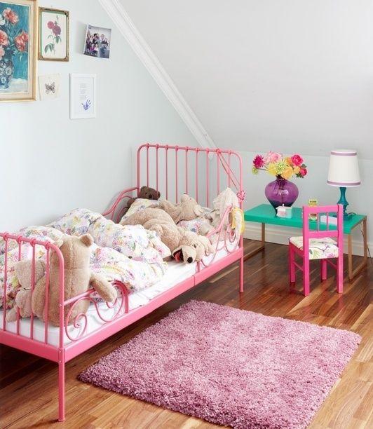 Camas de hierro para niños http://www.mamidecora.com/muebles-camas ...