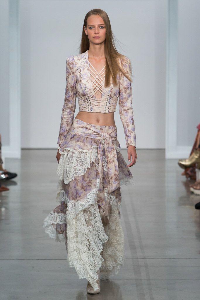 Zimmermann Feminine Dresses New York Fashion Week: Moda Hippie Verano