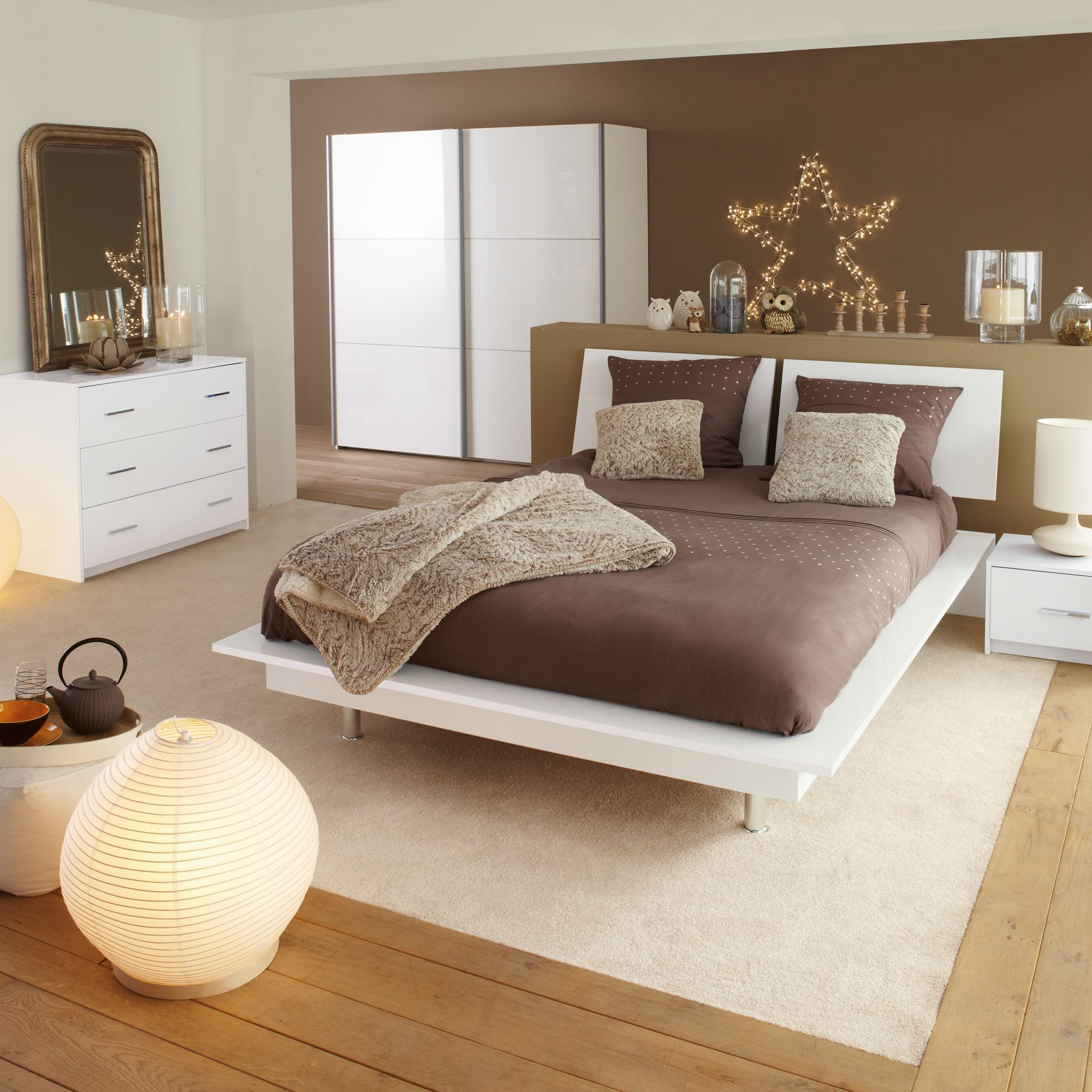 lit en 140x200cm et 2 chevets blanc blanc nuvola lits 2 places les lits chambre. Black Bedroom Furniture Sets. Home Design Ideas