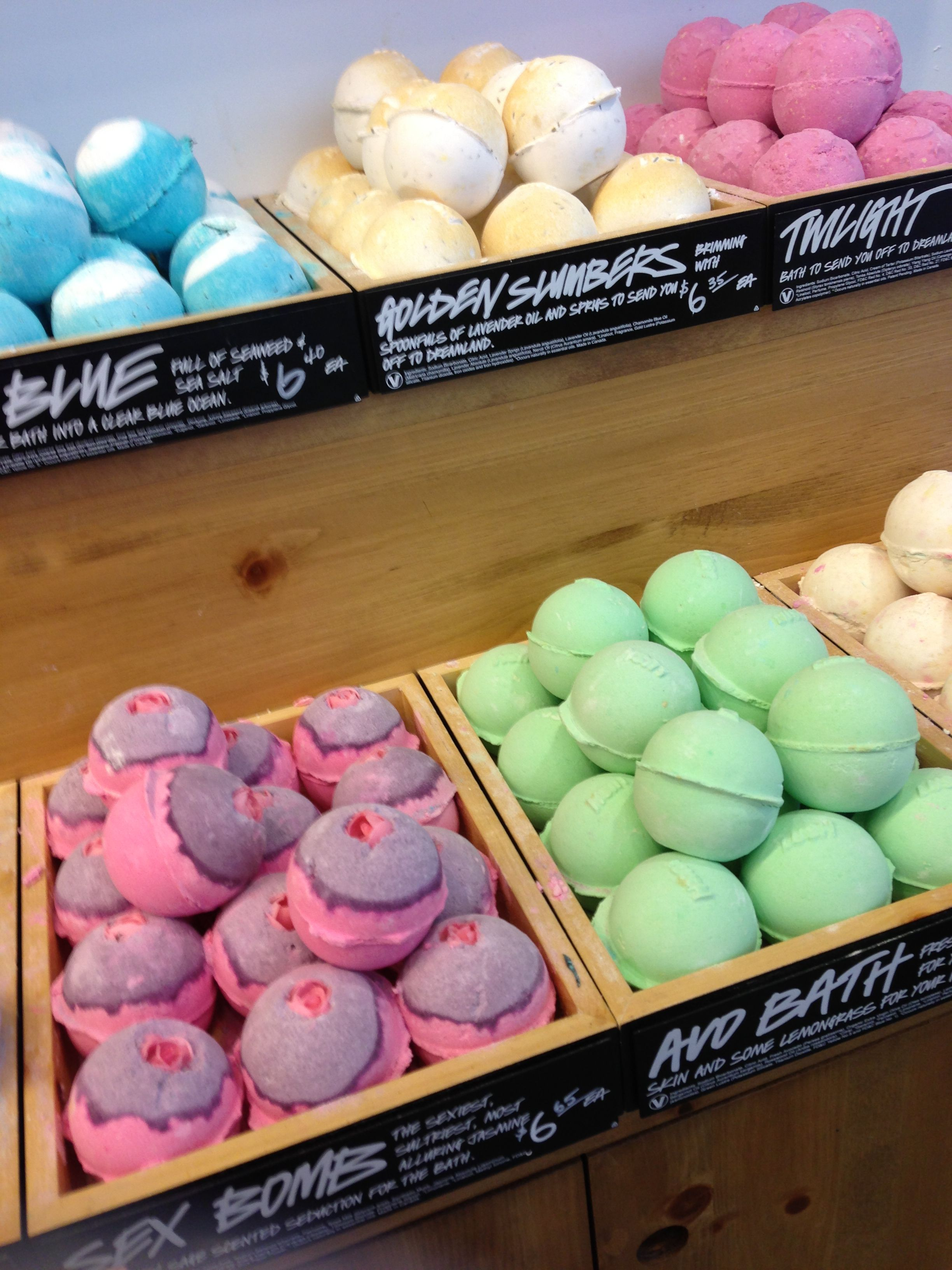 I Love Lush Cosmetics They Smell Good Make Your Hair And Skin Feel Awesome And Look Nice I So Wanna Try These O Lush Products Lush Bath Bombs Lush Cosmetics