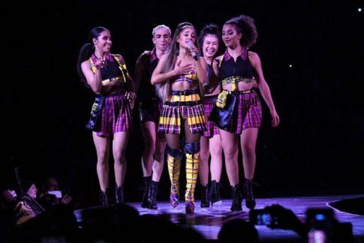 Ariana Grande Gets Emotional Singing About Mac Miller Cries on Stage #singing #ariana #grande #singing