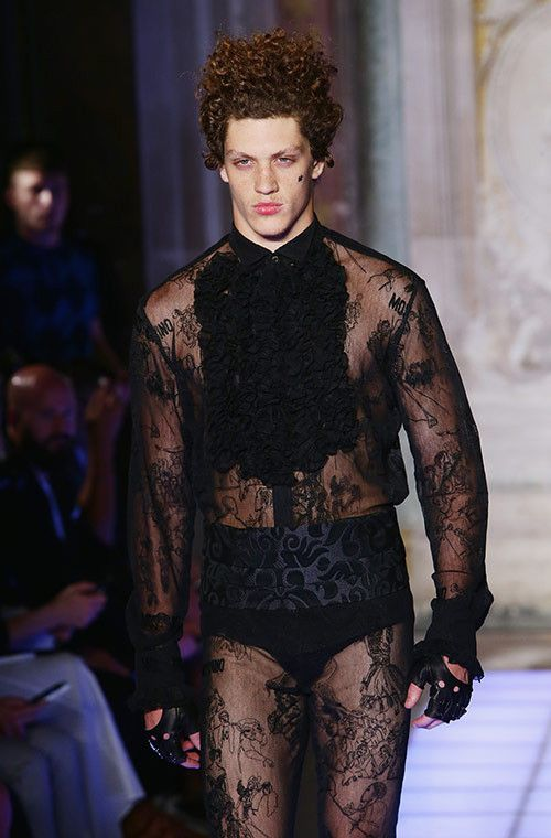 Dude Looks Like A Lady The Most Gender Fluid Styles From The Men S Shows Gender Fluid Fashion Genderless Fashion Style