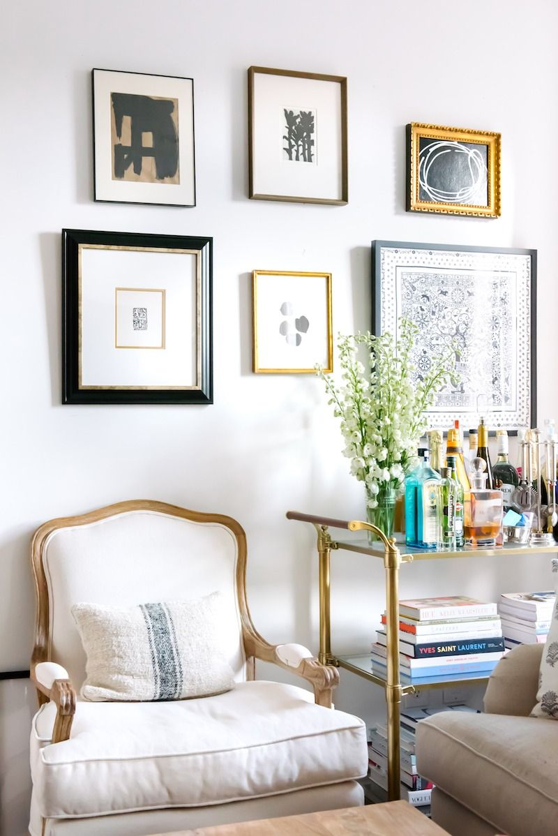 step inside fashion blogger kat tanita's glamorous manhattan apartment, Wohnzimmer dekoo