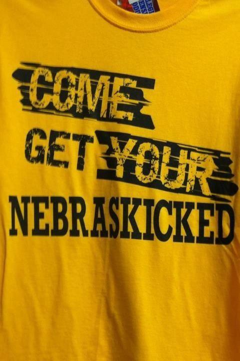 Iowa Hawkeye T-Shirt...perfect for my  other half  nebraska rival ... 505850666