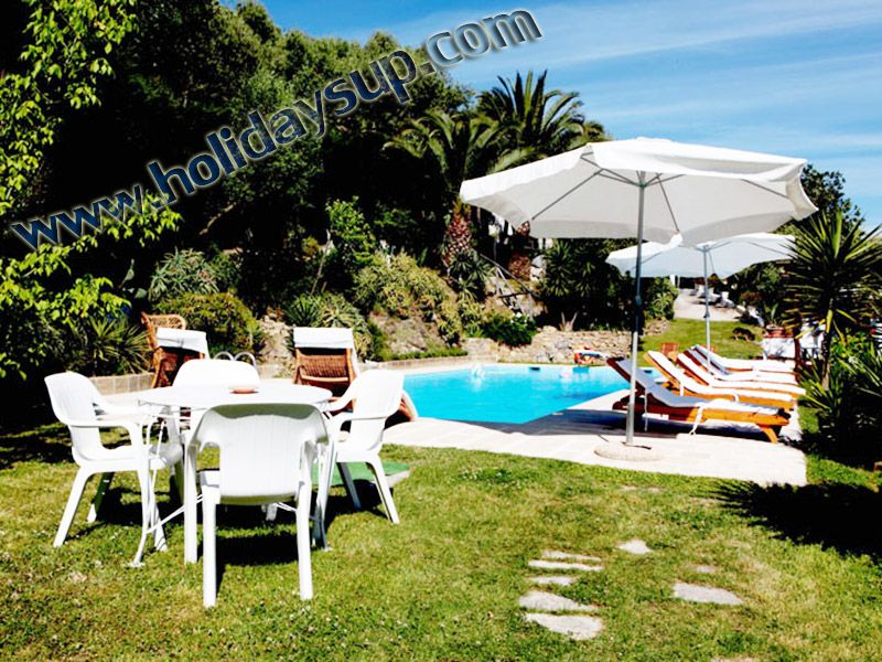 Villa Alfredo with swimming pool, solarium, garden and isle of capri view