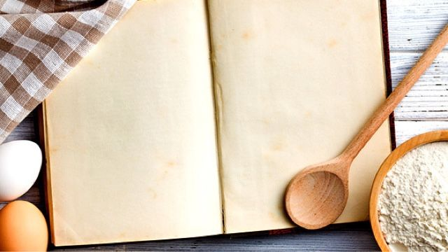 DIY Family Heirloom Cookbook tutorial at Grandparents.com : Holiday Gifts for Grandparents | Cool Mom Picks Holiday Gift Guide 2016