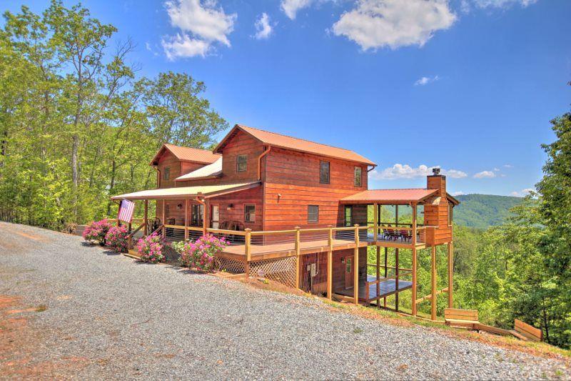 Mountain High In Blue Ridge North Ga Cabin Rental Blue Ridge Cabin Rentals Vacation Home Rentals Blue Ridge
