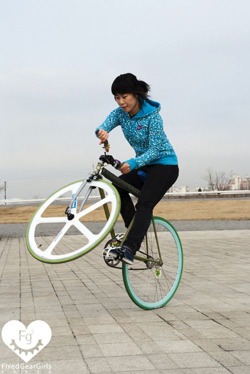 Fixie Lady Fixed Gear Girl And Bicycles Love Girls Http
