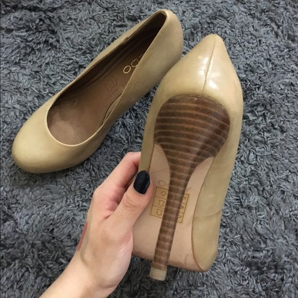ALDO Leather Heels Round-toed, genuine leather and wood detailing on the heel. Worn once and it was an indoor event! ALDO Shoes Heels