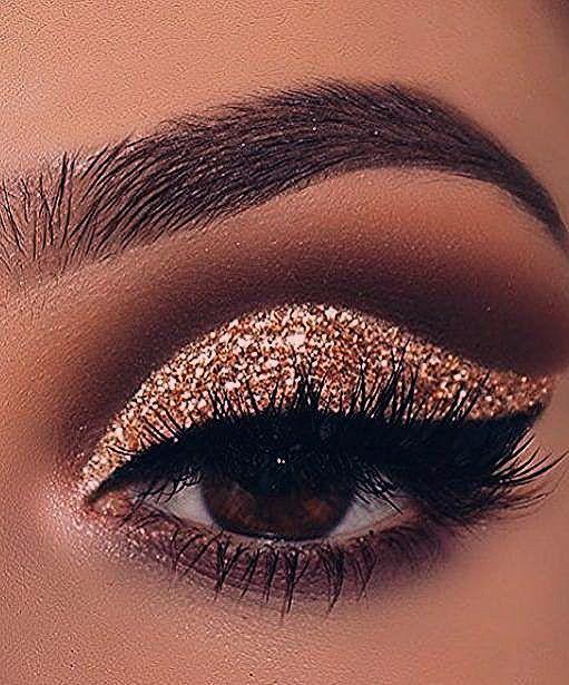 Photo of DIY Augen Make up Funkelnde Magie Gold Glitter Seite 15 von 18