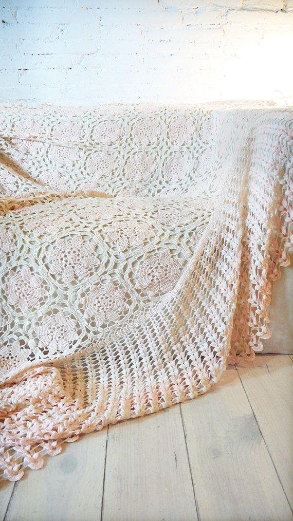 Vintage ganchillo manta Flores por lacasadecoto en Etsy | one color ...